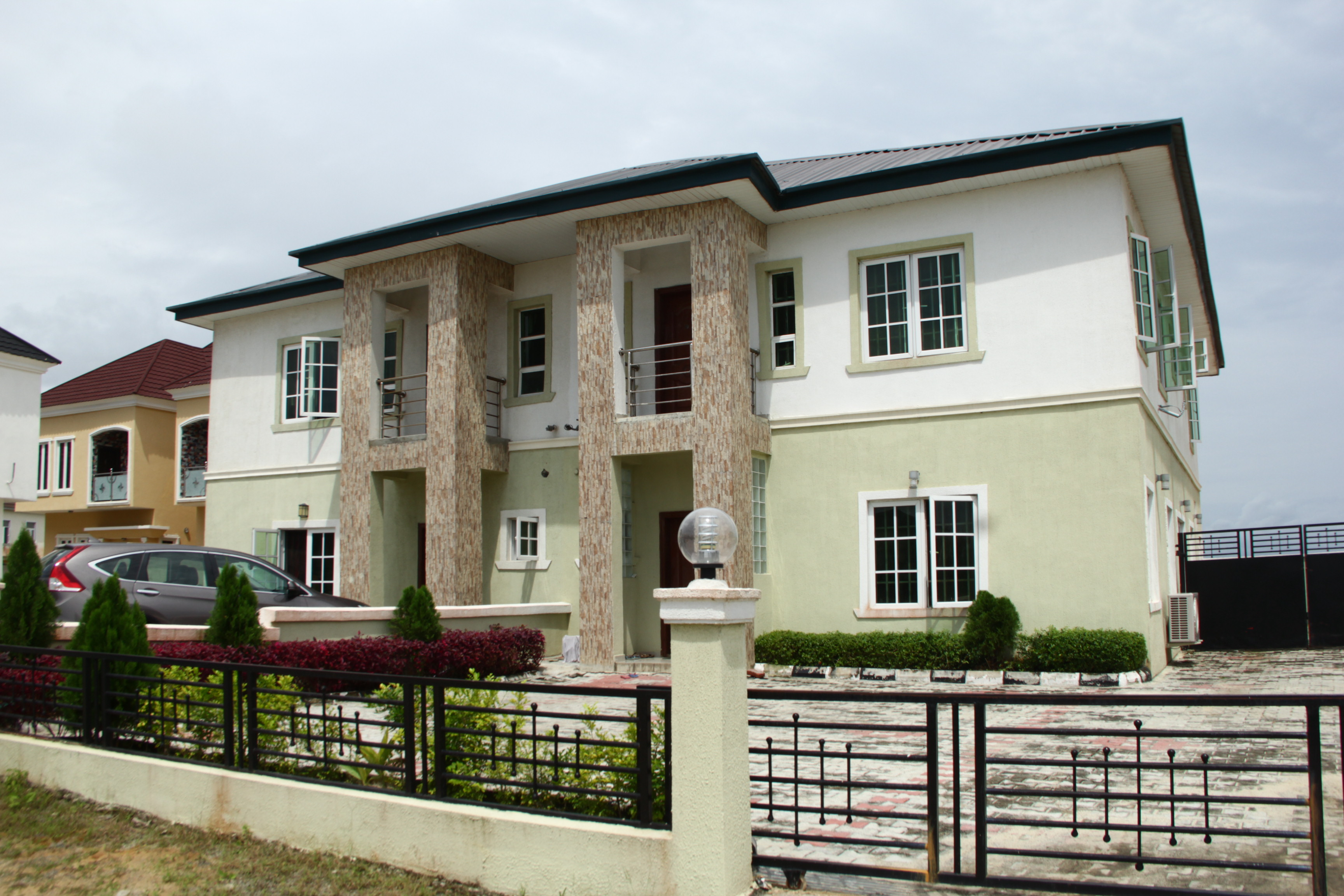 4 bedroom semi detached duplex with bq for Four bedroom townhomes