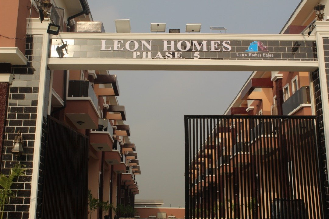 4-bedroom Deluxe Town Houses with attached BQ, Lekki pay £36K*